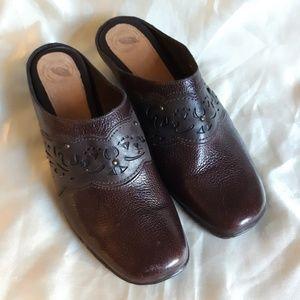 Nurture Leather Bridgette Clogs Mules